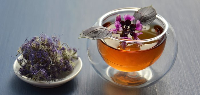 7 Herbal Teas & Their Health Benefits