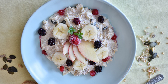 8 Oatmeal Benefits That Will Make You Want To Add It To Your Diet
