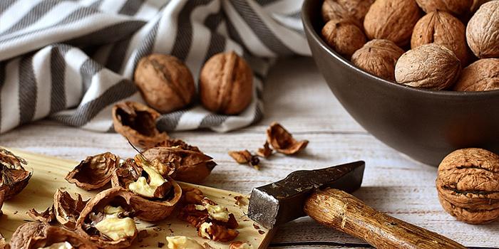 10 Walnut Benefits | Reasons To Eat Walnuts Regularly