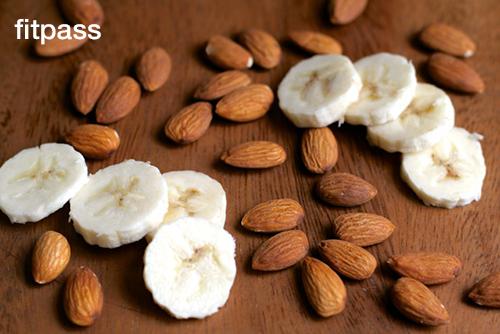 Almonds & Banana