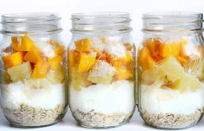 Pineapple yugurt parfaits