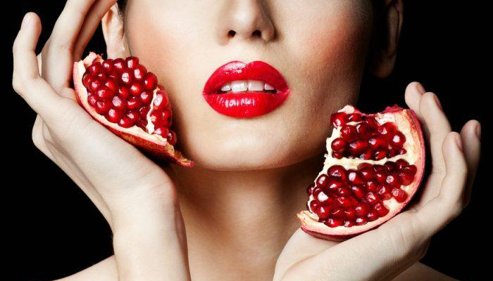 pomegranates-help-in-reducing-your-skin-issues