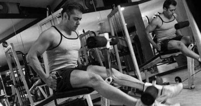 Salman Khan Gym Workout Doing Leg Exercise