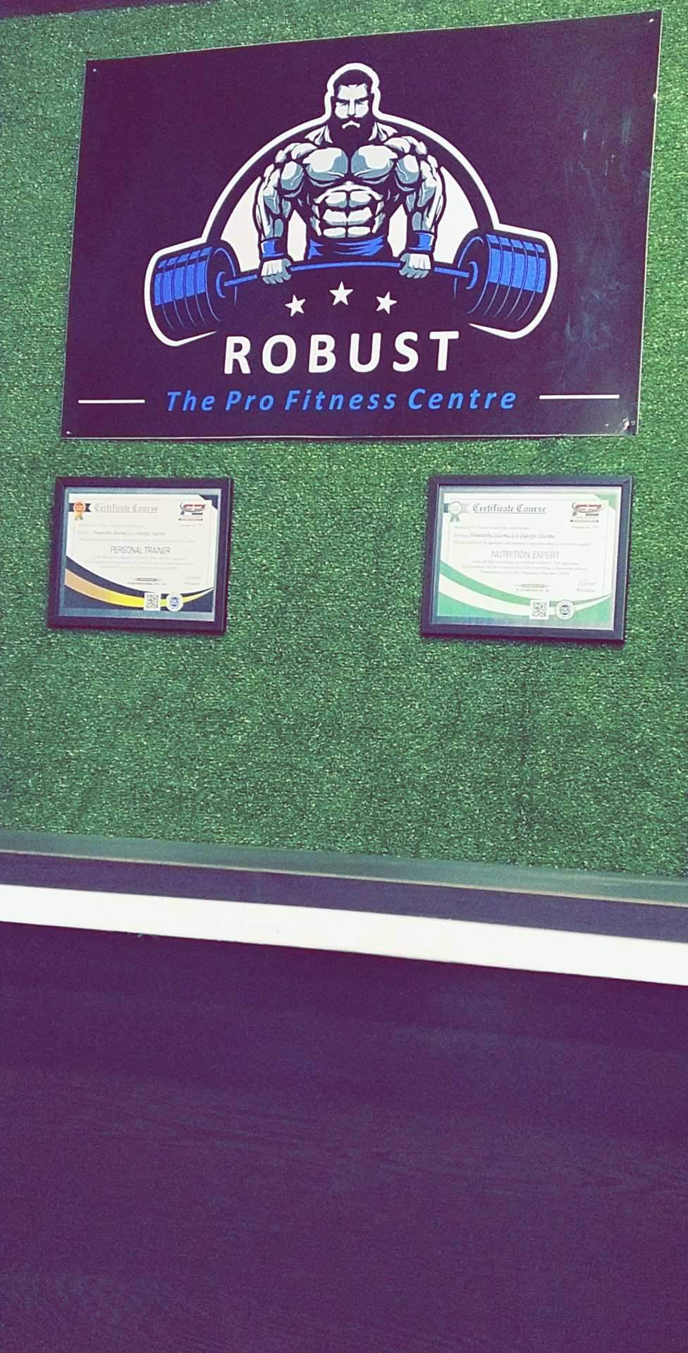 Robust Gym The Pro Fitness Center Sector 4