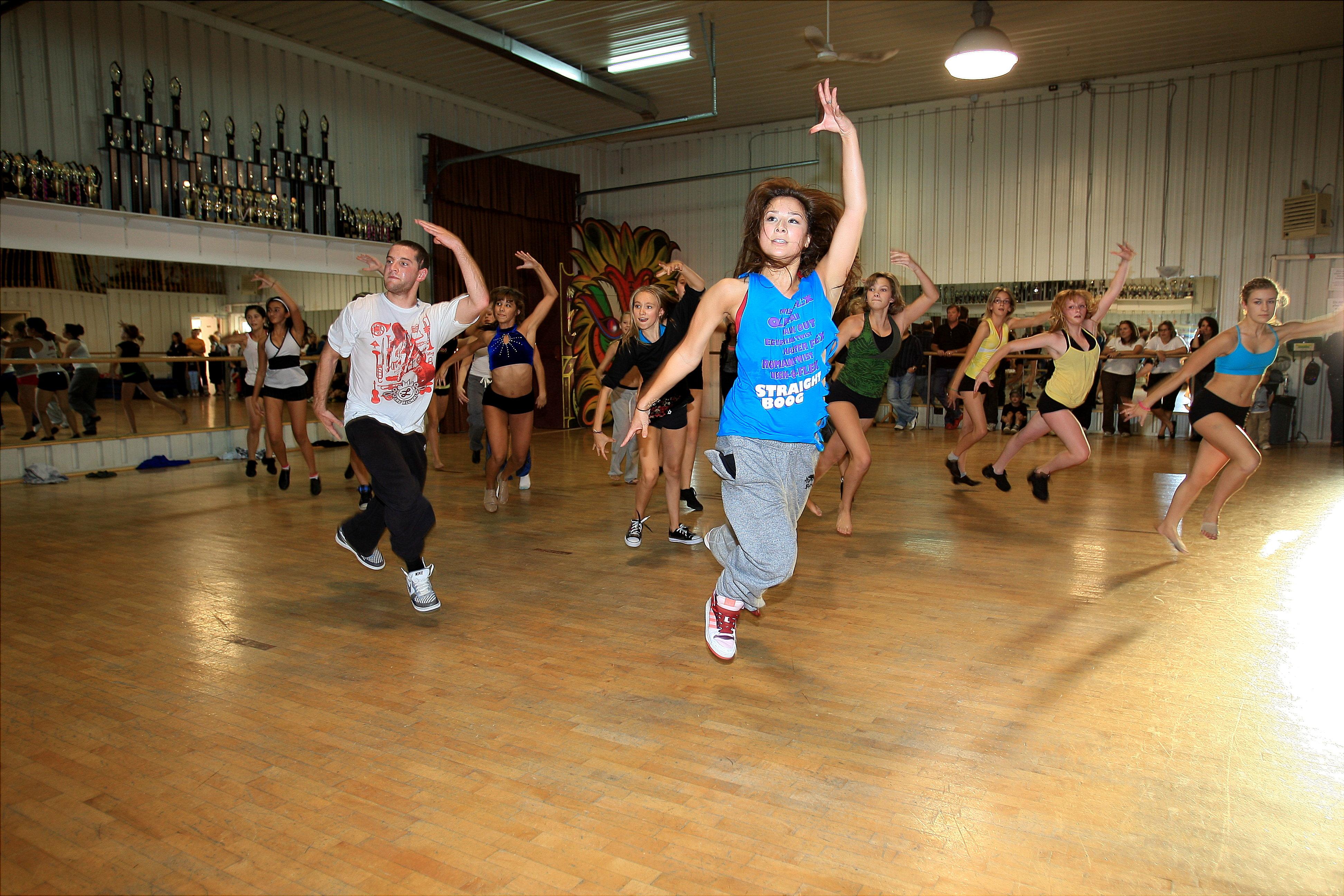 Zero Gravity The Dance Academy Dlf Phase 3