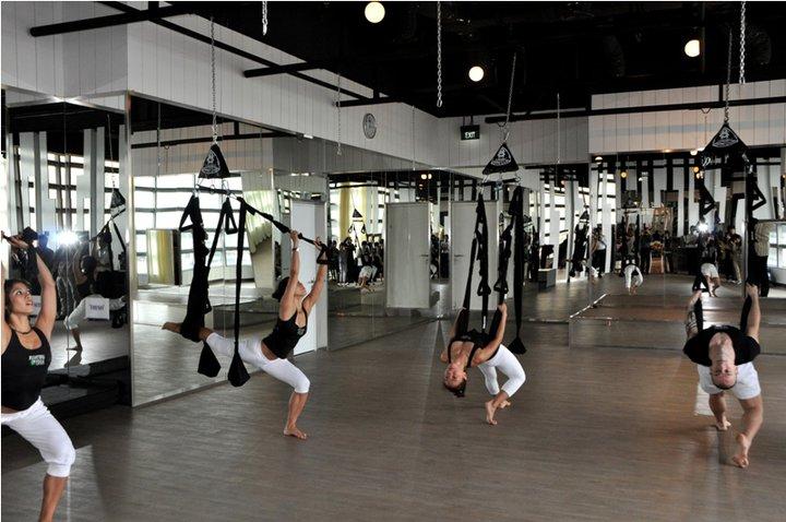 Celebrity Fitness Rajouri Garden