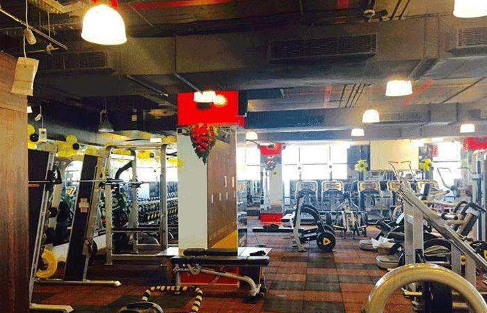 Gold's Gym Satara Road
