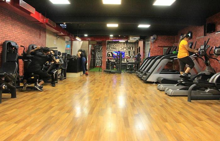 Luxury Akhada Gym Punjabi Bagh